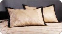 покрывала, подушки