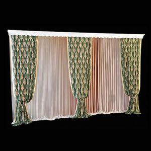 Пример визуального деления широкого панорамного окна несколькими комплектами раздвижных штор из пёстрой пластичной ткани. Такой приём позволяет соразмерить пропорции в случае, когда ширина окна дисгармонична небольшой площади комнаты. Невесомое полотно струящейся гардины присобрано в тонкие карандашные складки, что также способствует смягчению доминирующего эффекта широких окон.