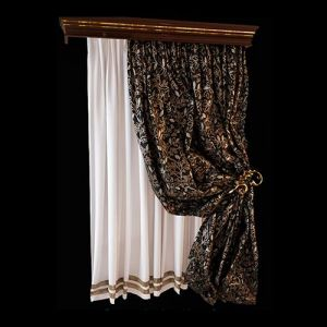 Изящная портьера из пластичной, богато орнаментированной ткани крепится в асимметричной драпировке позолоченным держателем. Боковая драпировка приоткрывает белоснежную тонкую штору, декорированную по нижнему краю атласными лентами цвета бронзы. В оформлении багетного карниза, тонированного в цвет венге, также присутствует позолота, гармонично объединяющая все элементы шторного комплекта в единый ансамбль.